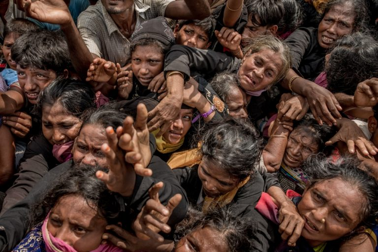 Winner, Photography - Features: Rohingya Crisis, by Tomas Munita of New York Times